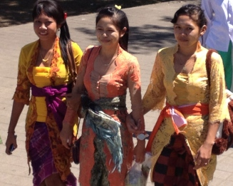 beautiful ladies celebrating the full moon at Pura Besakih