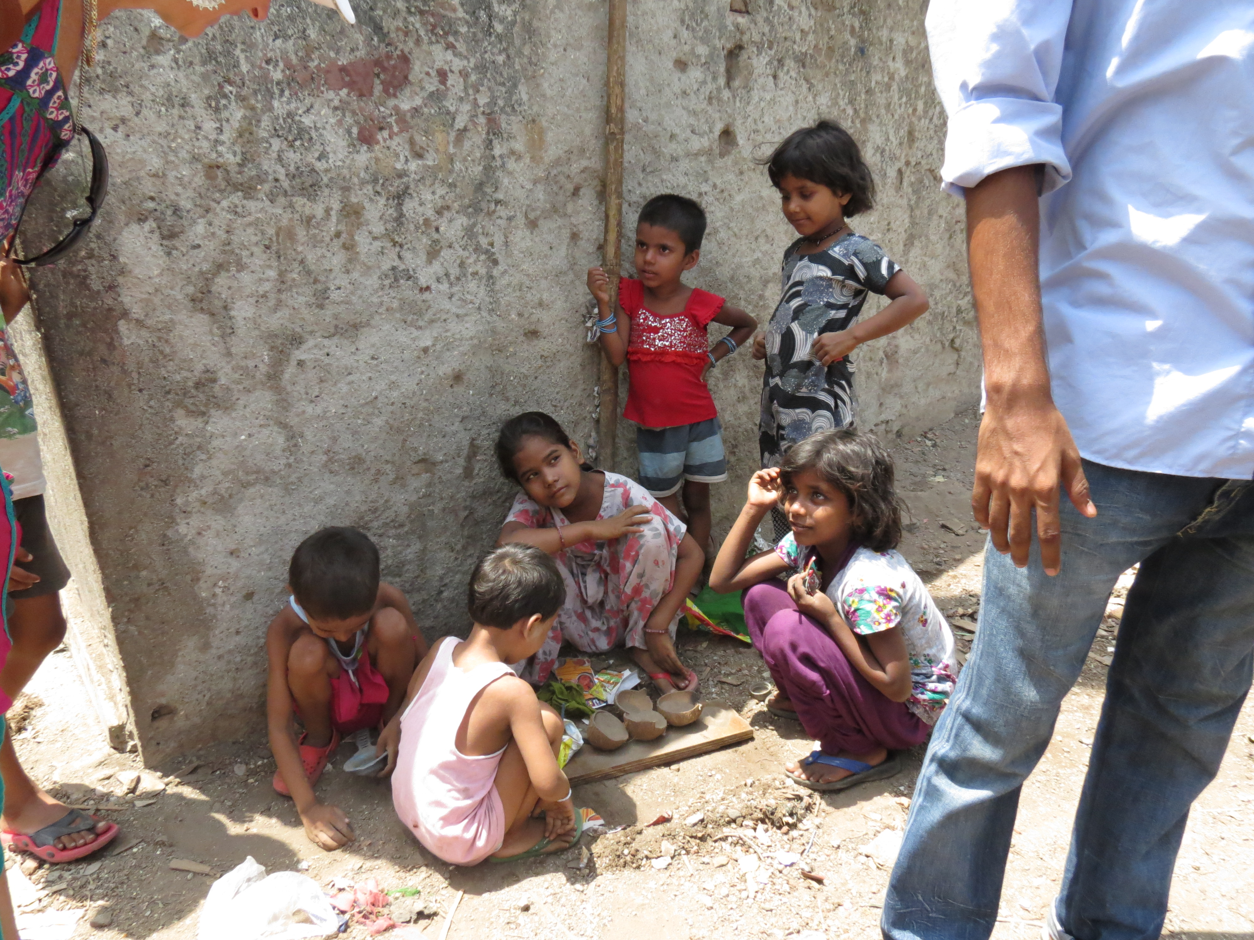 a visit to a slum A guided tour of mumbai's teeming dharavi slum raises moral questions for visitors  is slum tourism in india ethical  we went on to visit a cloth-dyer,.