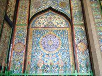 16 century tiles, Persian style in the Sufi shrine of Badhsahi Ashurkhana