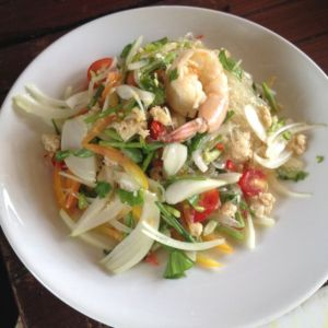 glass noodle salad with seafood and minced chicken