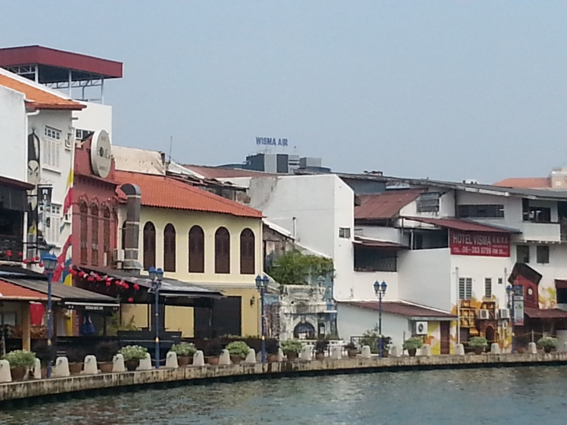 THE MAlaka river cruise is a must, very pretty, UNESCO World Heritage city