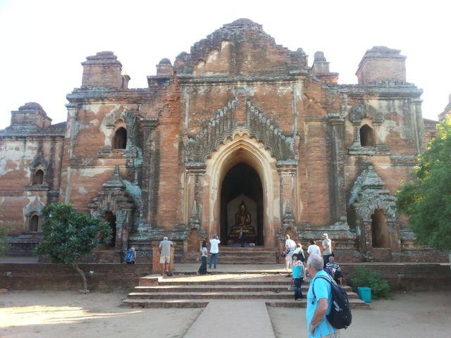 Burmese days 4 - ballooning over Bagan (4/6)