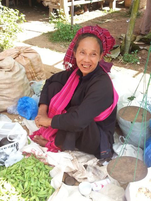 At Inthein market - Pa-O woman