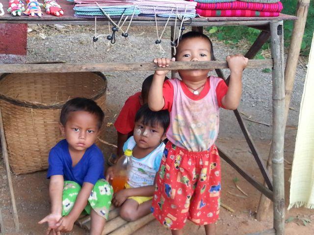 Burmese days 5 - Inle Lake, home to one-legged poling fishermen (3/6)