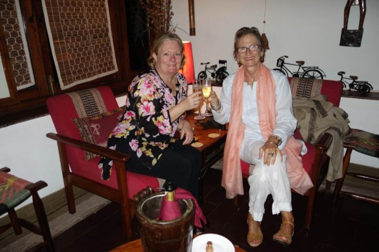 Satpura: with Cindy - Champagne this time!