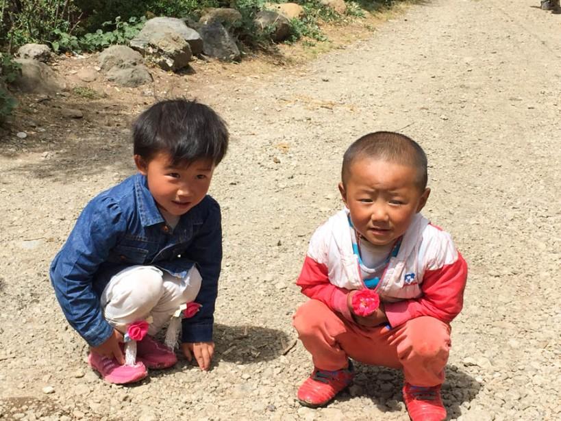 Village kids in Yuhu