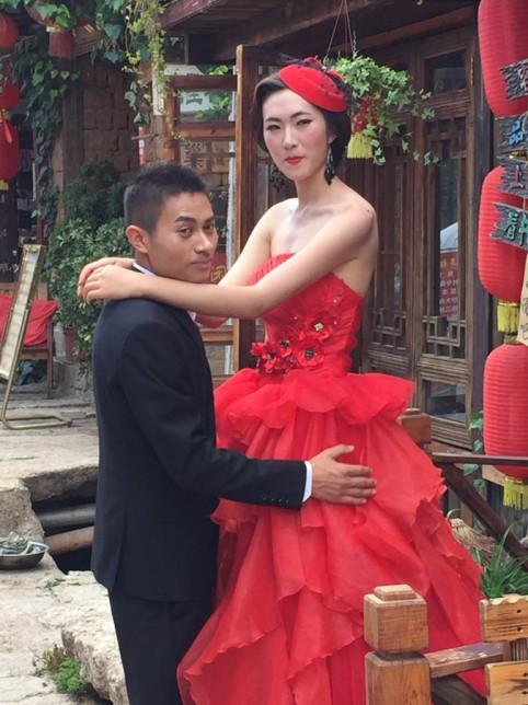 A bridal couple on wedding bridge