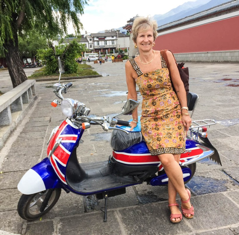 Union Jack scooter in Dali