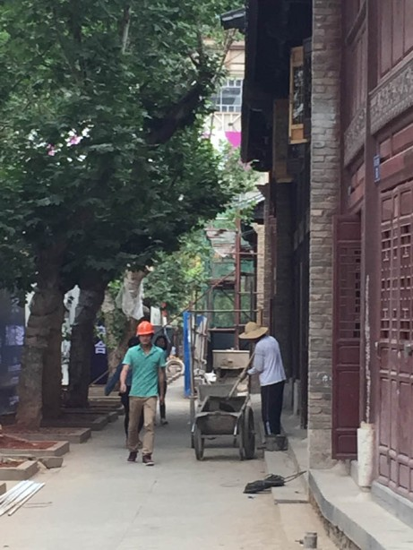 Street under reconstuction in the market area