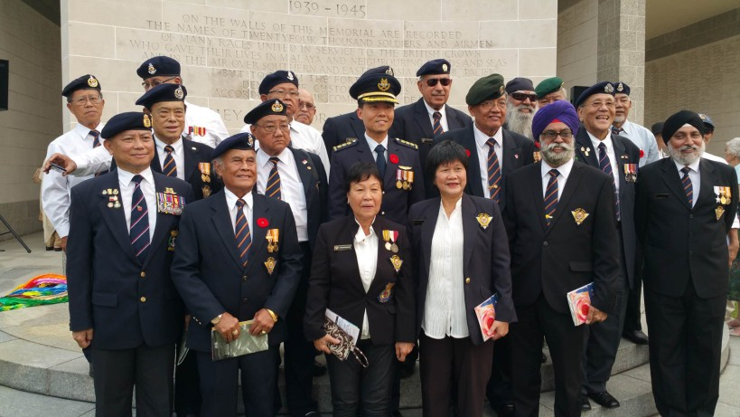 Singapore veterans posing after the ceremony