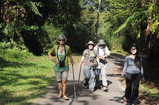 Doing the Girdle Walk with Raffia, Angela and Sophie - don't we look professional!
