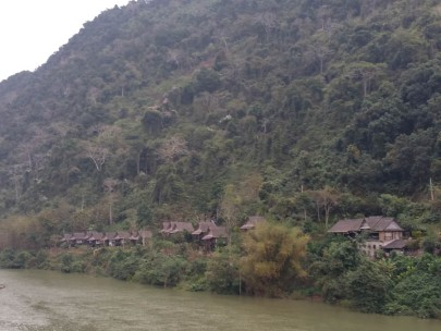 Riverside hotel in Nong Khiaw