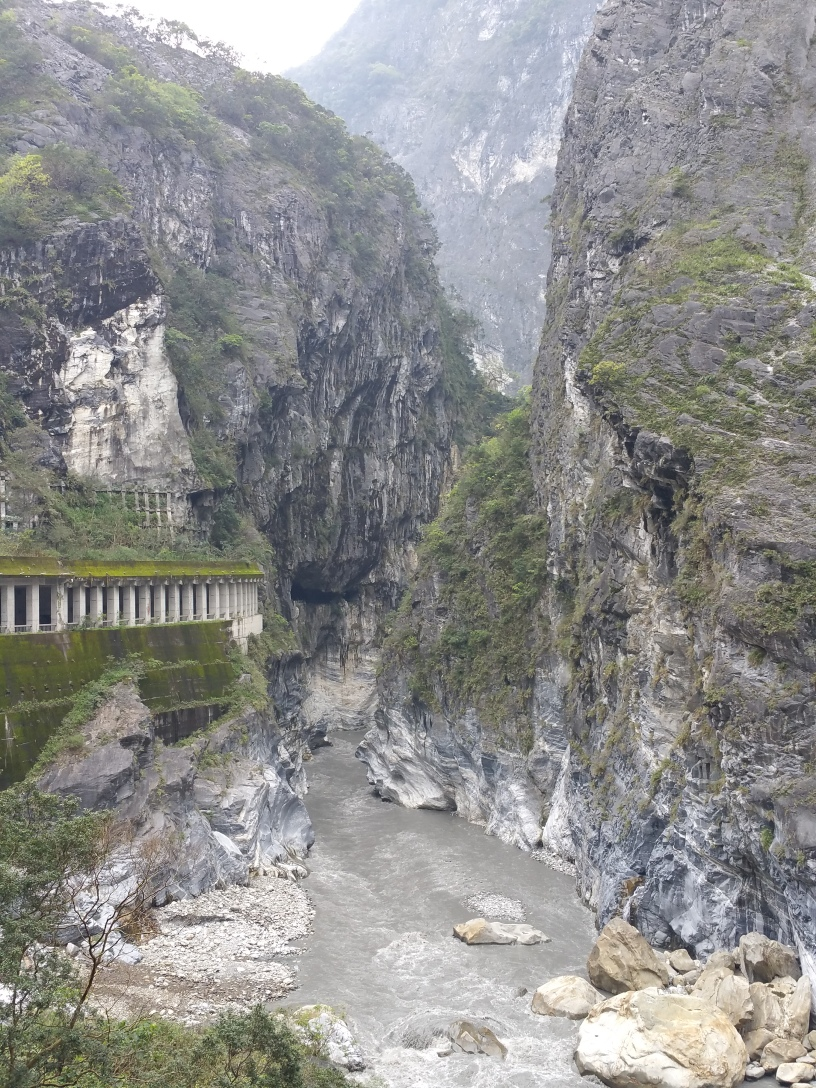 The road goes under the mountain