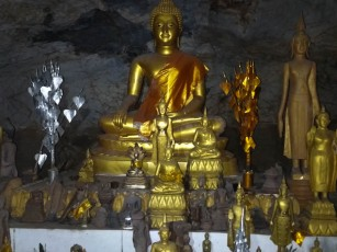 Large gold Buddha as well as the 1000s of small ones