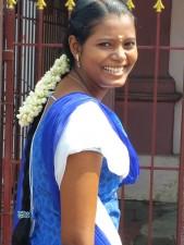 Pondicherry: Beautiful girl in the street