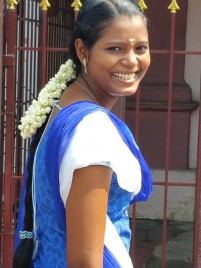 Pondicherry: Beautiful girl in the street