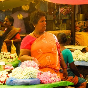 Flower seller, Pondi market