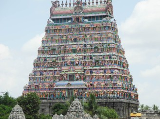The gaudy main temple, Nataraja