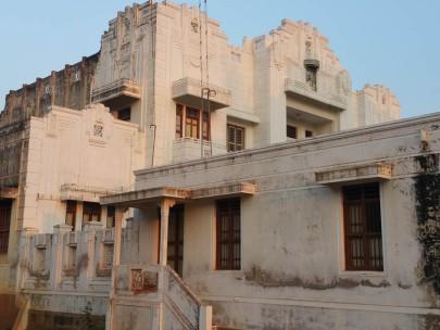 1930s mansion