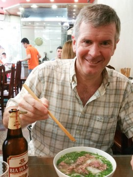 Pho lunch in 10 (best pho in old quarter)