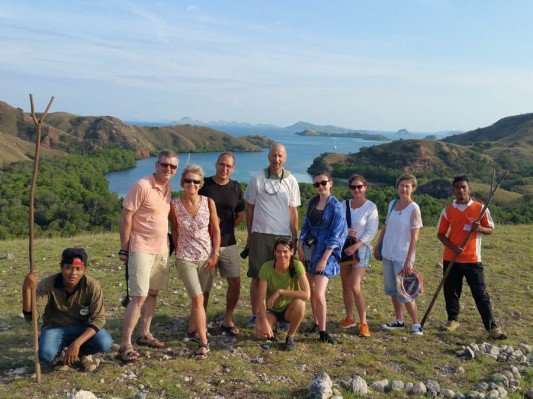 l-r guide, us, Swiss MArk, Mike, Little Eira, Eira, Sarah and guide