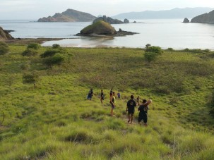 Trekking down to pink beach