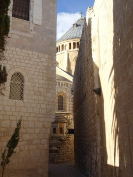 Winding alleyways near the room of the Last Supper