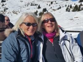 The Cambridge ski team gals, Hil and Cat