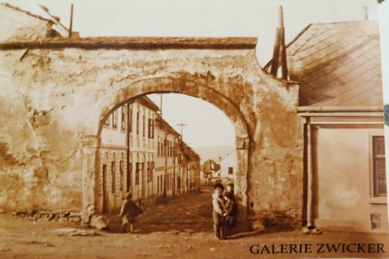 Gate to the Jewish Quarter, remains unchanged today