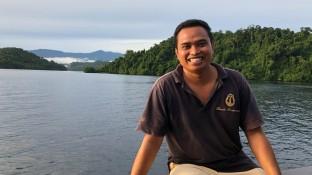 Handri with backdrop of beautiful islands