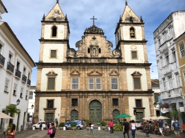 The St Francisco cathedral from the front, NB square and round entrances