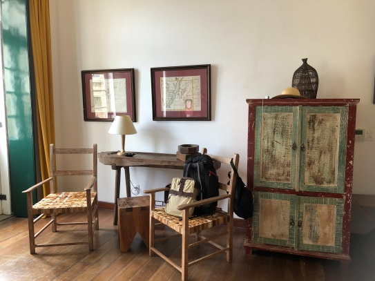 Colonial style in the MOzambique room in villa Bahia