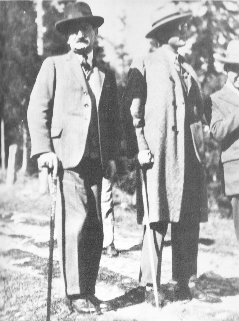 Ungar with his boss the Jewish writer Camill Hoffman. He was murdered in the Holocaust.