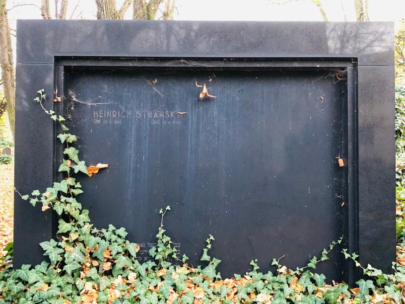 The sad empty grave