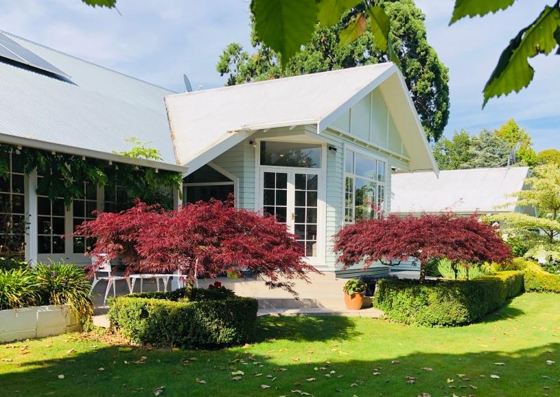 The main house at Botanica