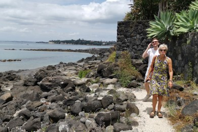 Walking from Takapuna to Milford beach