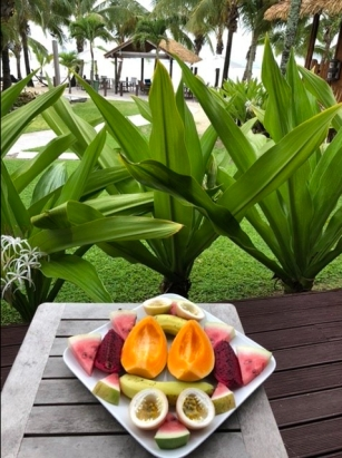 Breakfast at MAgiv Reeg bungalows in Rarotonga