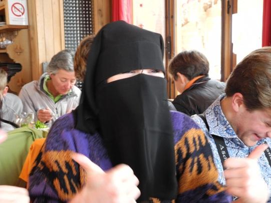 Xmas burka, 2010